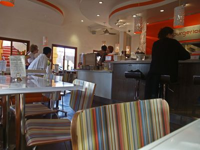 Burger Lounge02