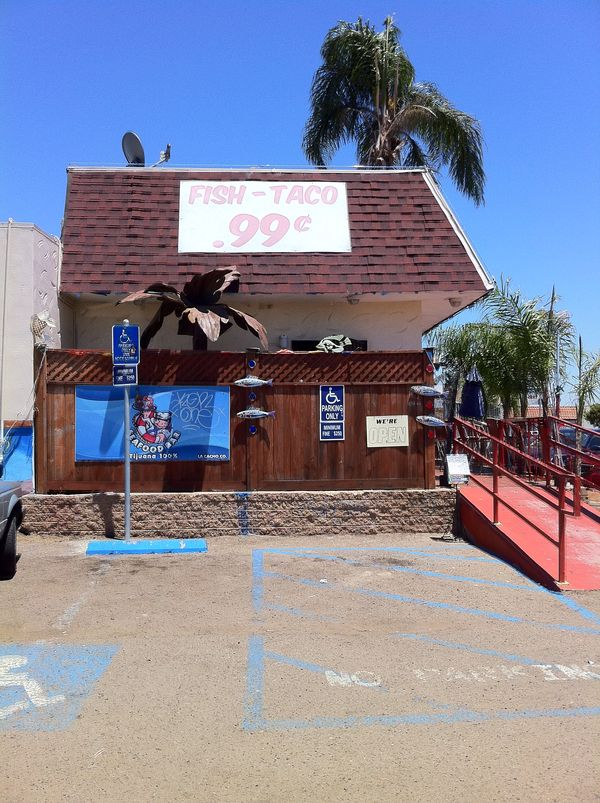 Tijuana 100 Seafood Bar Mariscos La Cacho Ambiente