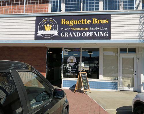 Baguette Bros 01