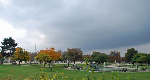 Grand bassin rond - Tuileries Garden