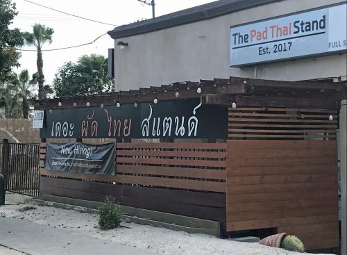Pad Thai Stand 01